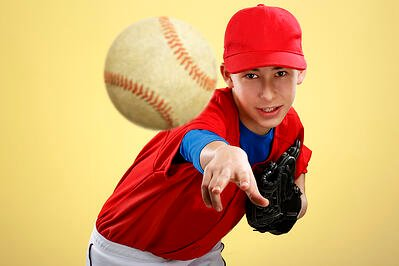 factors-that-contribute-to-throwing-injuries-in-youth-athletes
