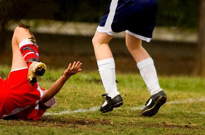 watch-out-for-soccer-knee-injuries-on-the-field