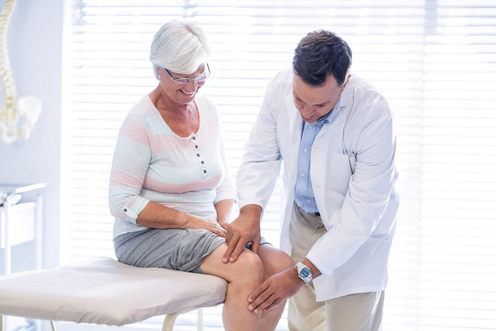 Computer-assisted/robotic assisted knee replacement